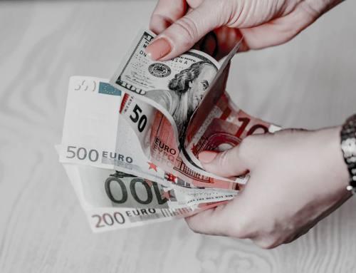 Trotz billiger Bankkredite – die Deutschen setzen weiter auf das schnelle Geld im Pfandleihhaus.